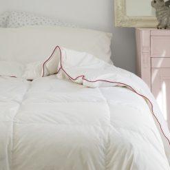 Relleno nórdico modelo CLÁSICO PLUMÓN natural 95% plumón y 5% pluma de pato blanco Tejido exterior 100% algodón Mejor calidad a bajo precio