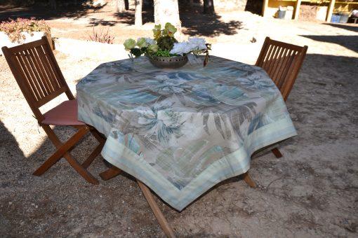 Mantelería TROPICAL Cassa Luyton Medida del producto: 155 x 250 cm De poliéster y algodón 12 servilletas a juego Gran calidad a bajo precio