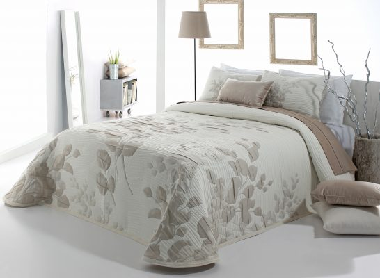 COLCHA modelo LESLY de gama alta Para cama de 150 cm de anchura Medida del producto 250 x 270 cm Mejor calidad a bajo precio
